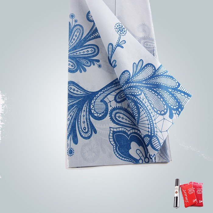 Pre-cuted Clean And Soft Six Colors Printed Non Woven Tablecloth In Folded Packaging