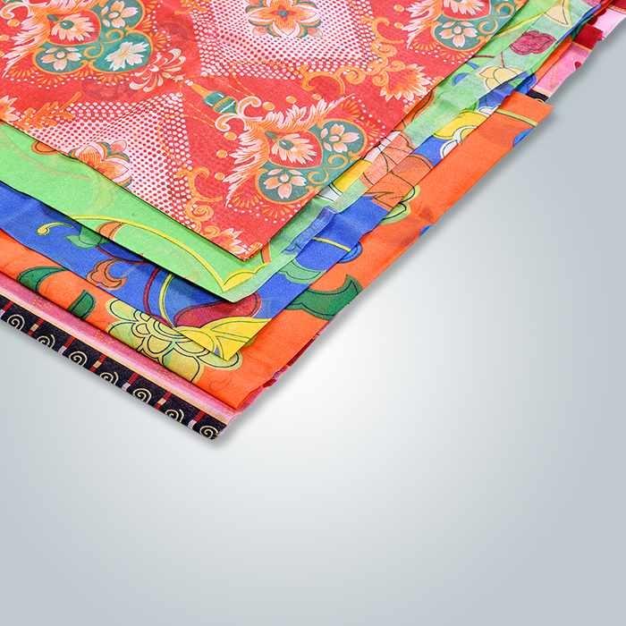 ソファはマルチカラー2.3 m幅の印刷された不織布を使用