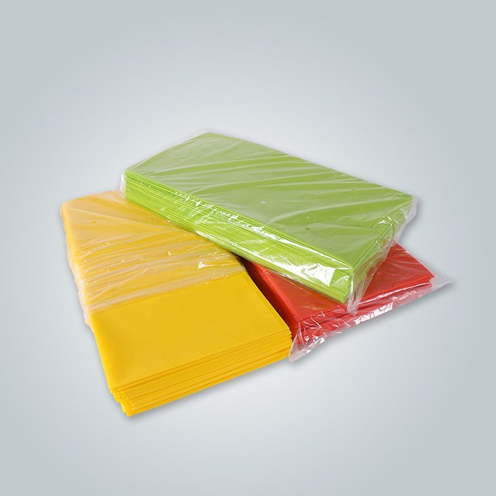 Red / Green / Yellow Color Nonwoven Pre Cut Table Cover Fabric On 100% PP Spunbond Material