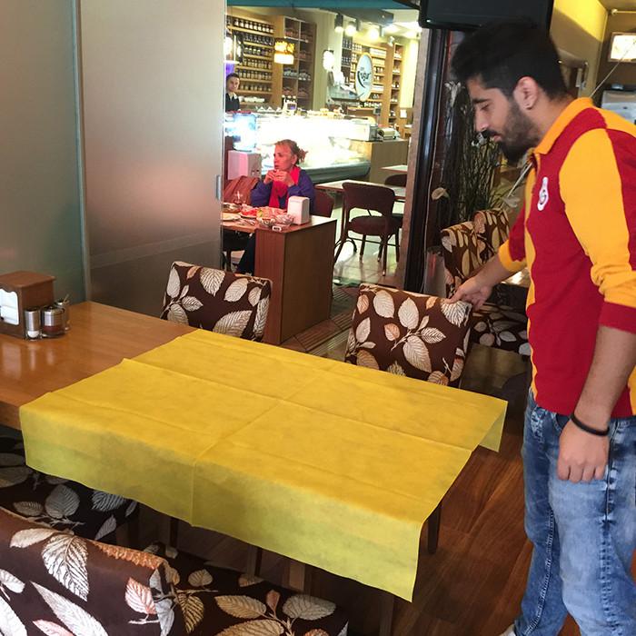 Les acheteurs populaires pour la table d'hôtel pliant des vêtements de table de banquet