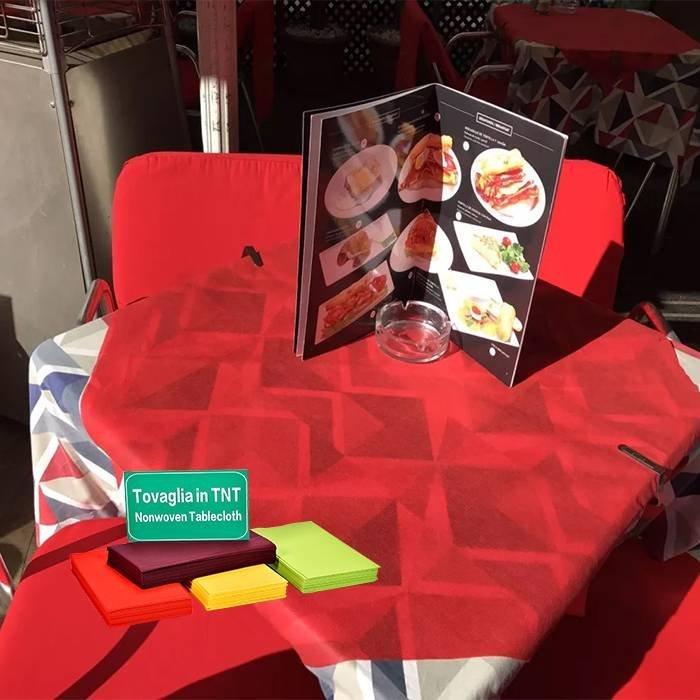 Bordo TNT masa örtüsü / polipropilen sigara dokuma masa örtüsü İtalya