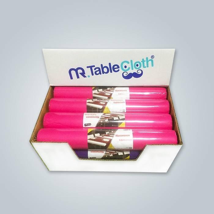 फ्रांस के बाजार में गुलाबी रंगीन टेबल धावक