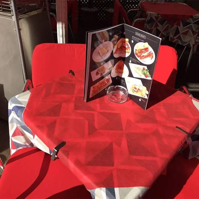 Elegant design printed non woven table cloth disposable material
